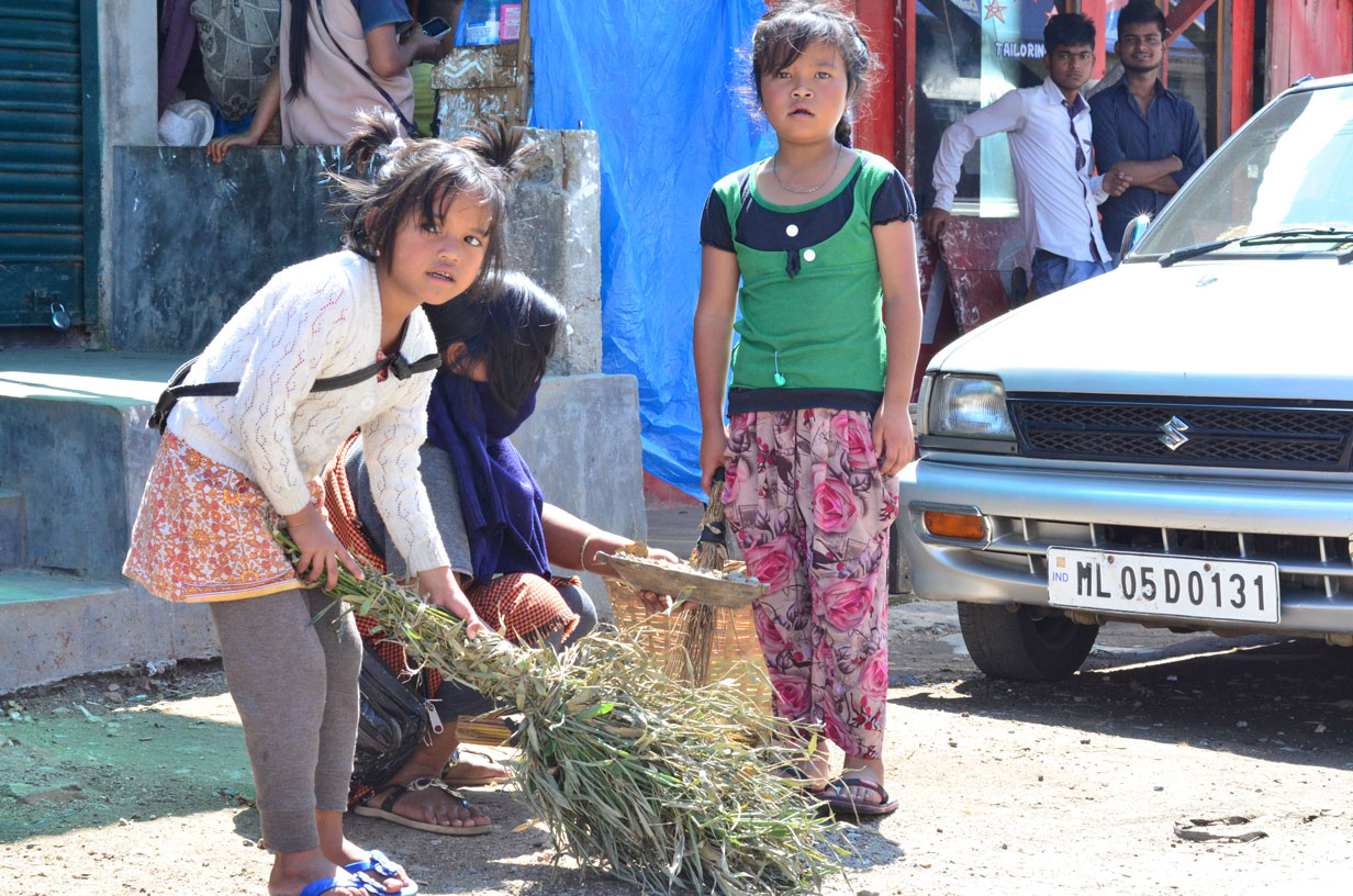 Children taking part in the cleanliness drive. Photo: NESFAS/Daryl Khyriem